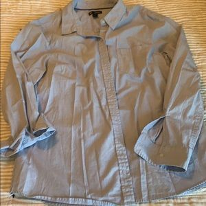 Gap Sz L long sleeve casual button up. Worn once.